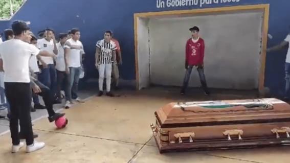 video alexander el joven que queria ser futbolista pero fue asesinado por accidente