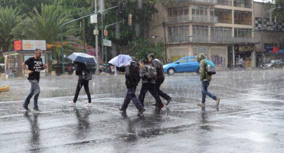 cdmx amanece con fuertes lluvias y tormentas electricas