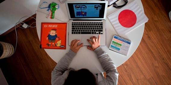 alumnos extranjeros que estudien en linea en eua serian obligados a dejar el pais