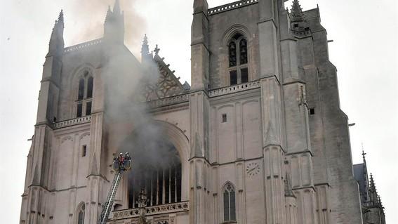 catedral nantes incendio notre dame