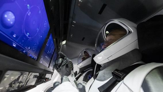 envivoelretornodelosastronautasspacexcrewdragon