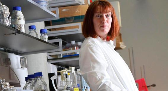 ¿quien es sarah gilbert la creadora de vacuna contra covid19 que la prueba con sus hijos
