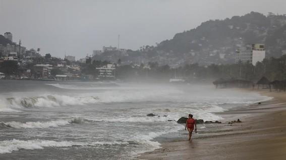 huracan genevieve pacifico mexicano