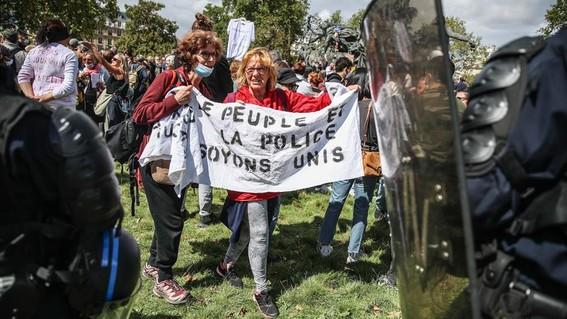 paris uso cubrebocas protesta