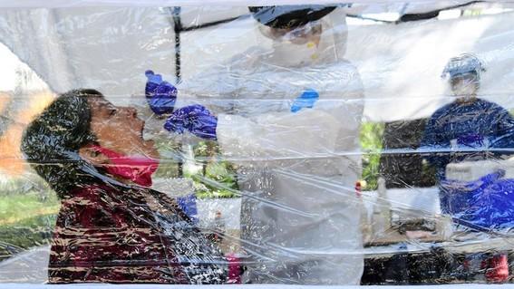 cientificos mexicanos disenan prueba para detectar coronavirus con la saliva