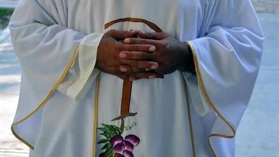 ismael sacerdote acusado de pederastia en mexicali
