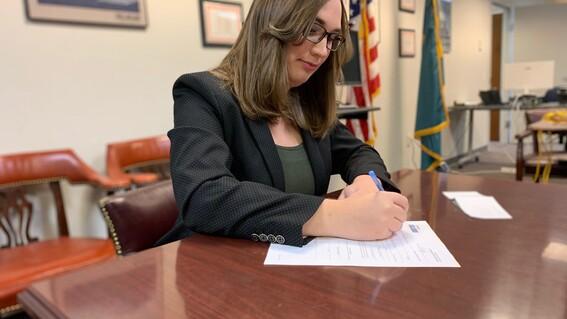 sarah mcbride senadora transgenero lgbt estados unidos