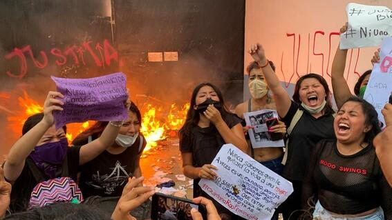 dispersan a balazos a manifestantes en cancun
