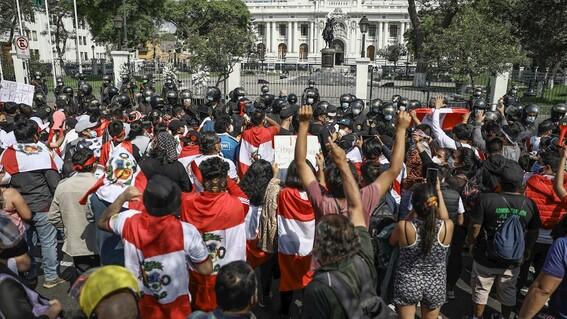 protestas en peru ¿que esta pasando en el pais sudamericano