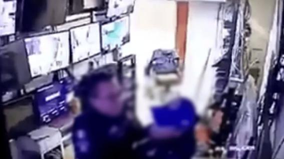 suspenden a policias por tener sexo en lugar de vigilar un hospital