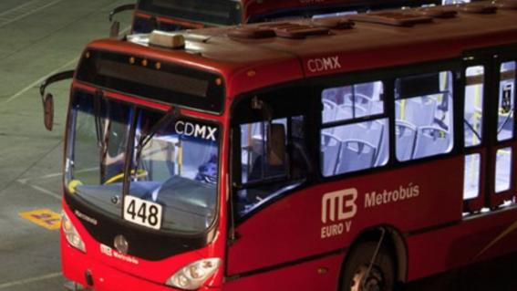 padre olvida a su hijo en el metrobus