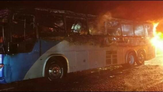 arde autobus turistico con pasajeros a la ciudad de mexico; uno resulta lesionado