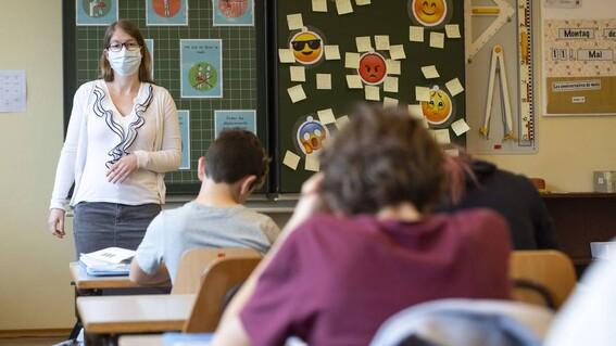 oms apoya mantener abiertas las escuelas y desaconseja el confinamiento