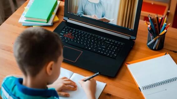 diputada busca que cdmx incluya servicio de internet dentro de paquete de utiles escolares