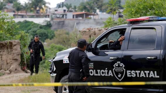 identifican 113 cuerpos en una fosa clandestina en el estado de jalisco