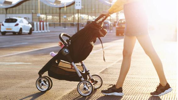 hombre drogado mata a bebe al arrollar su carrito en un paso de peatones