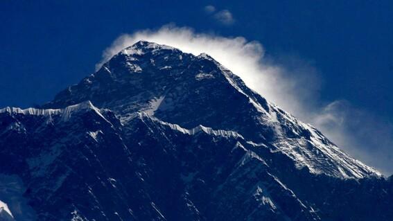 el monte everest el mas grande del mundo tiene una nueva altura oficial