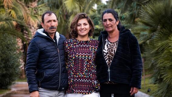 mujer robada al nacer se reencuentra con sus padres tras 25 anos