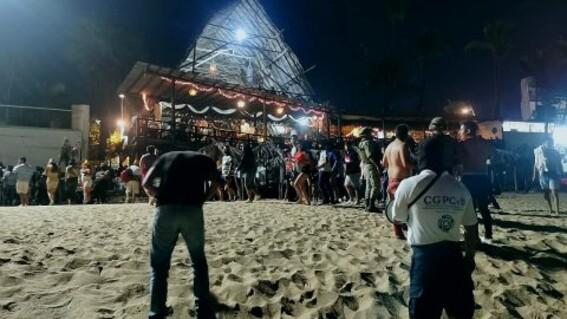 fiesta fin de ano playa acapulco
