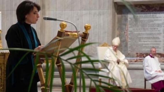 dice papa francisco que las mujeres pueden leer en misas pero no ser sacerdotisas