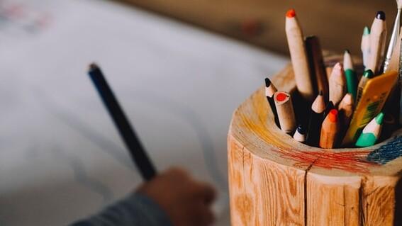 nino explota clases en linea tareas colombia