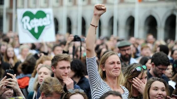 practican mas de mil abortos gracias a nueva ley en irlanda