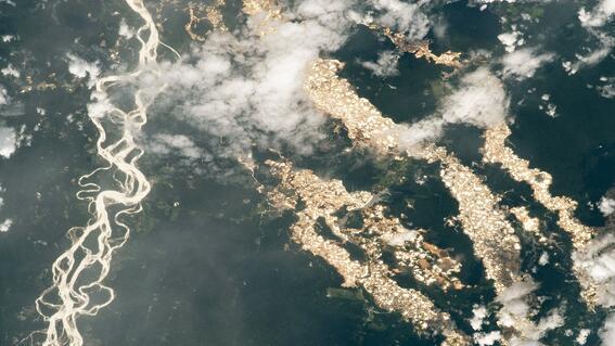 nasa capta imagen de rios de oro en peru