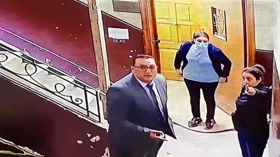 mujer salva a nina de un pedofilo gracias a una camara de vigilancia