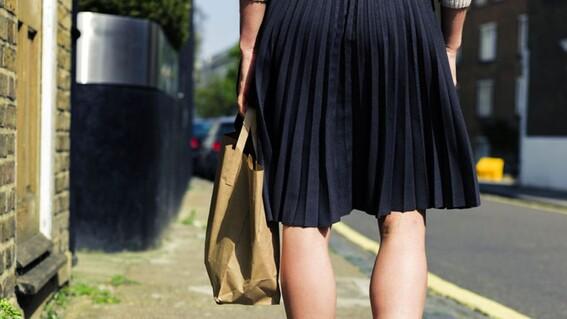 escuela solicita a mamas no presentarse con minifaldas