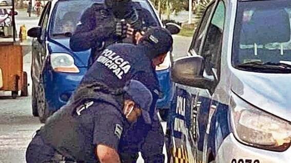 necropsia revela que policia le rompio el cuello a victoria en tulum