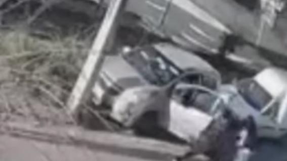 video madre entrega hijo a policia tras viral robar auto