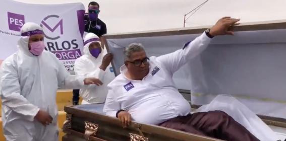 video candidato del pes inicio campana dentro de un ataud