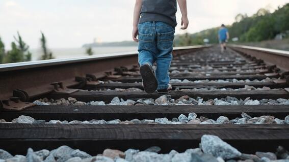 encuentran cuerpo de bebe calcinado cerca vias tren puebla
