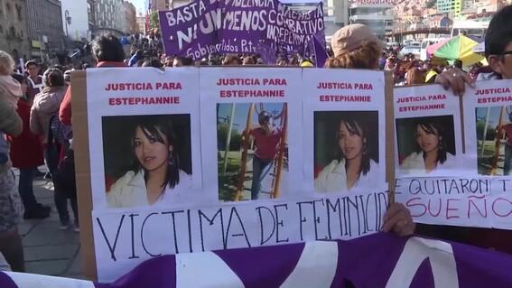 451 ninos quedan huerfanos luego que sus mamas fueran victimas de feminicidio en bolivia