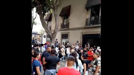 video asi fue la pelea campal en calles del centro historico de la cdmx