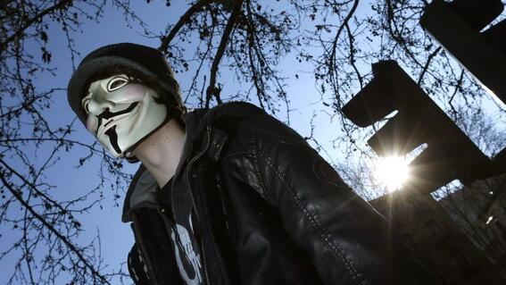 anonymous hackea pagina del ejercito de colombia tras violentas protestas