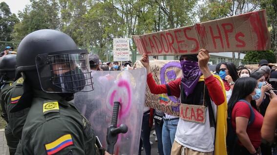 menor se suicida tras denunciar abuso sexual policias colombia