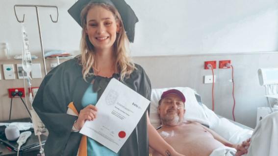foto graduacion padre hospital