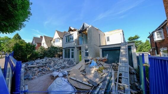 casa albaniles destrozos