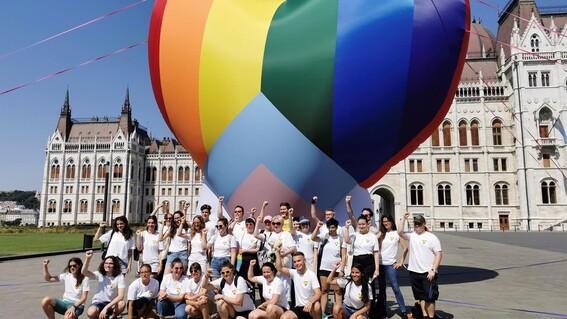 comunidad lgbt hungria ley homosexualidad escuelas menores