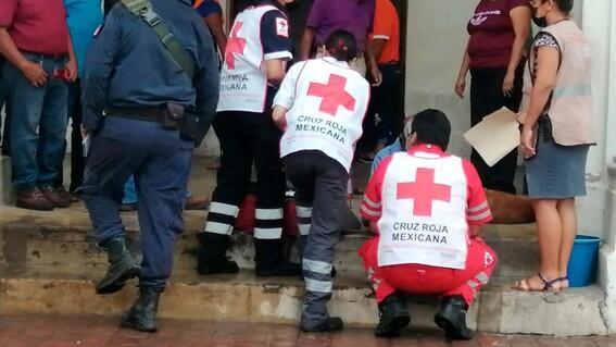 paramedicos indigente tehuantepec rescatistas