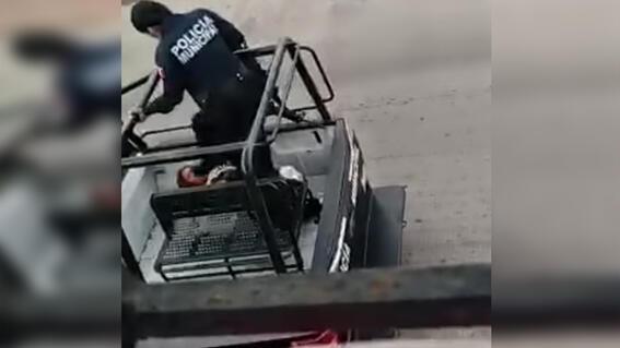 video mujer suplica mientras policias golpean cardenas tabasco