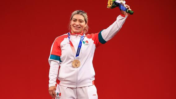 aremi fuentes gana medalla de bronce para mexico en levantamiento de pesas en tokio