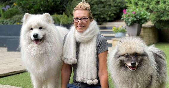 bufanda tejida con pelo de perro