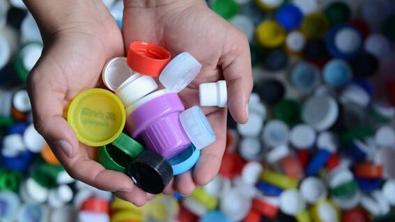 ¿para que se donan tapitas de plastico