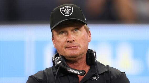 renuncia coach de los raiders tras hacer comentarios racistas y homofobicos en la nfl